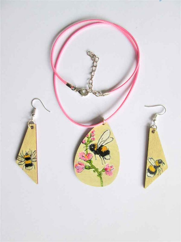 Bee and Pink Flowers necklace and earrings set.